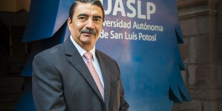 Apuntes de Jorge Saldaña