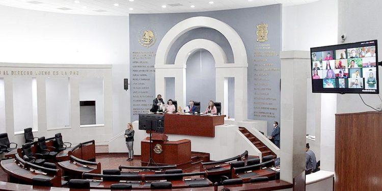 destrozos en Congreso de SLP